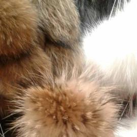 Помпоны из натурального меха енота 15 см