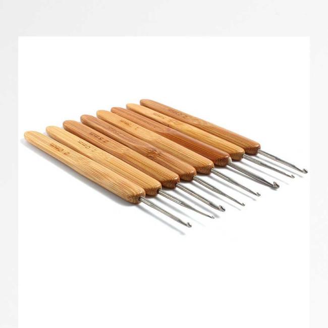 Крючок с бамбуковой ручкой